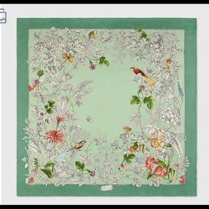 GUCCI SILK SCARF Wonder Gardenia Emerald/ Brown